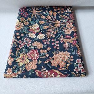 Vintage Floral Lightweight Cotton Fabric 1.8y